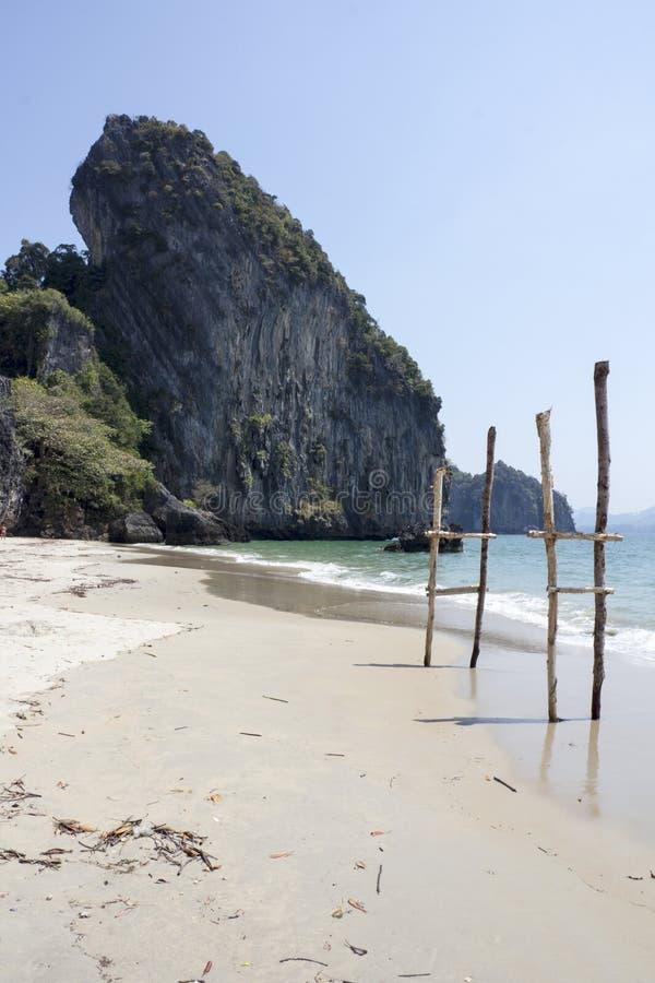 Download Stokken op Yao-strand 2 stock foto. Afbeelding bestaande uit exotisch - 39114574