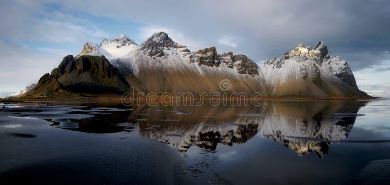 Stokksnes, Vestrahorn, Vatnajokull, Islanda fotografie stock libere da diritti