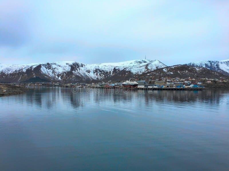 Stokmarknes, Noruega do norte imagem de stock