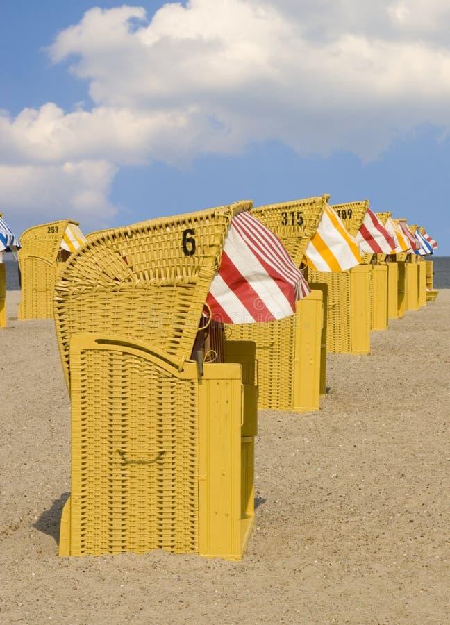 stolar för 1 strand arkivbild