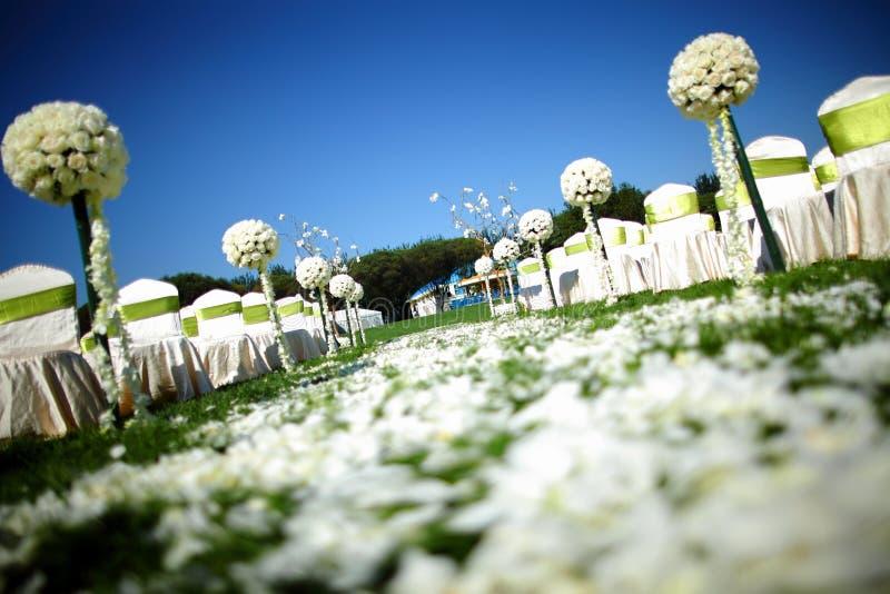 Utomhus- bröllopplats royaltyfri bild