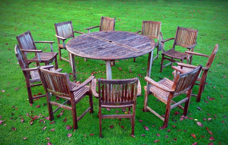 stolar table trä royaltyfri foto