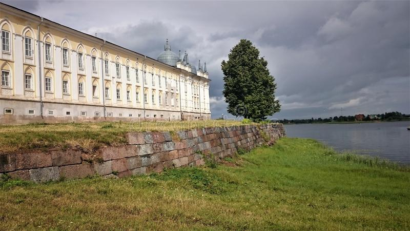 stolobensky monasteru nilo Nilo-Stolobensky monaster lokalizuje w Tver regionie, na jeziornym Seliger, Rosja obraz stock