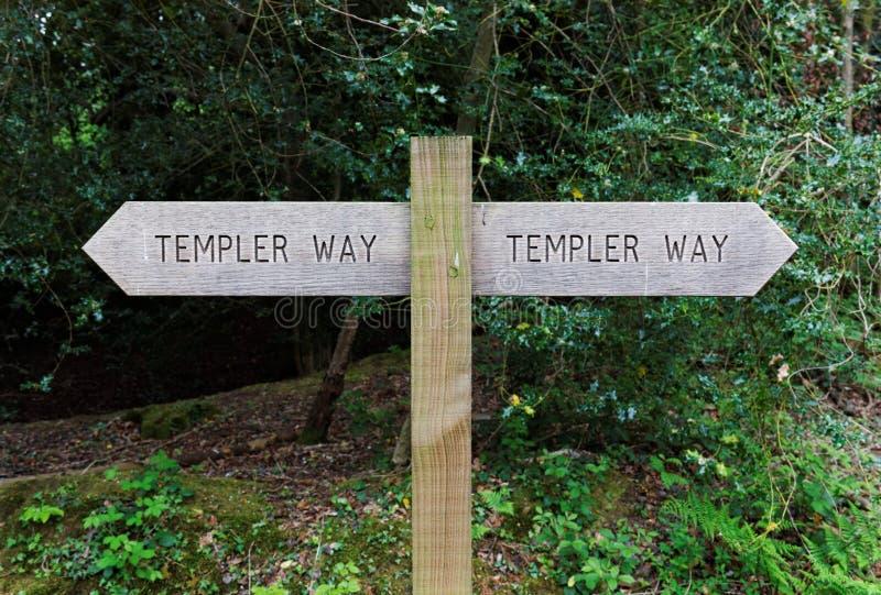 Stolpe för Templer vägträtecken, Dartmoor, England royaltyfri foto