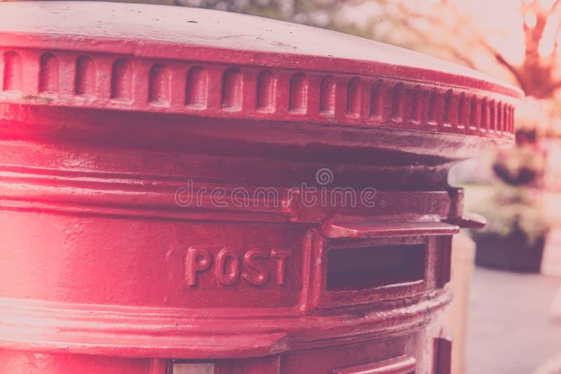 Stolpeask i UK royaltyfri bild