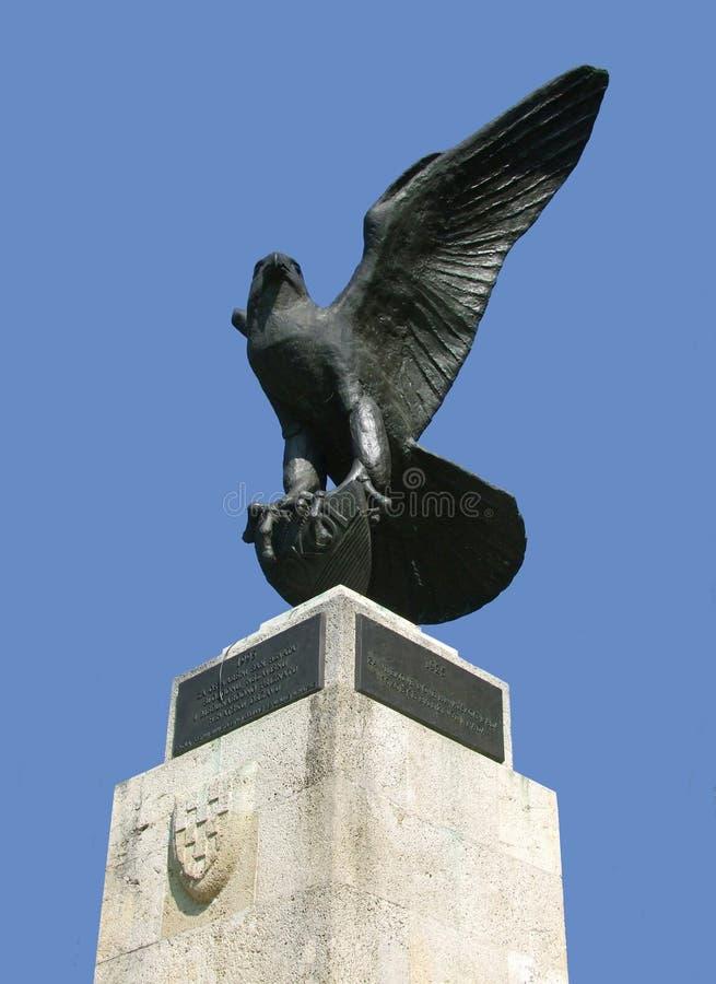 stolt staty för örn arkivfoton