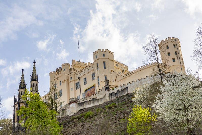 Stolzenfels slott på klyftan för RhendalRhen nära Koblenz, G royaltyfri foto