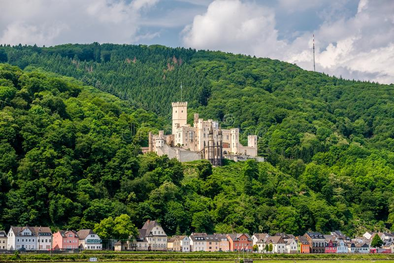Stolzenfels slott på Rhendalen nära Koblenz, Tyskland arkivbild