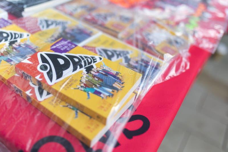 Stolzfilm DVD auf einem Warenstall stockfotos