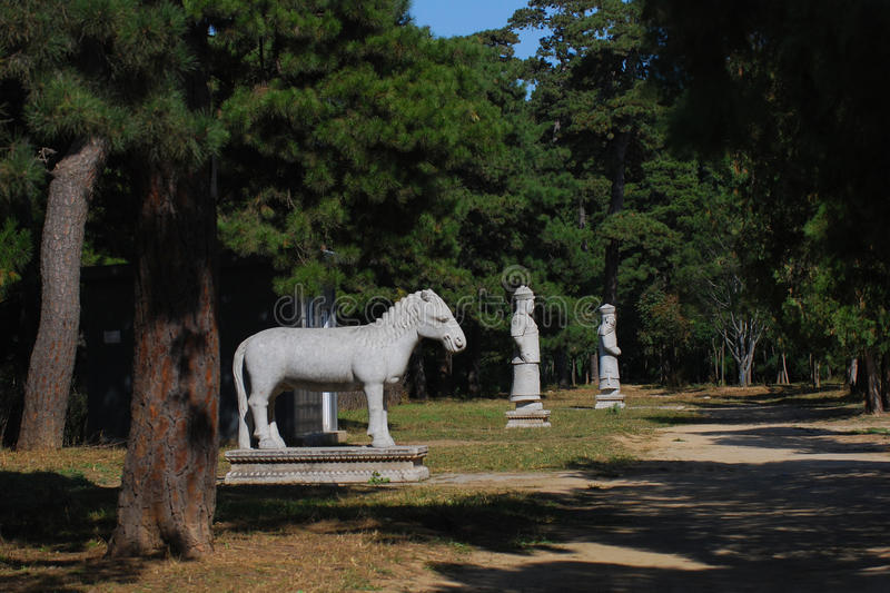 Download Stone Animals And Officials On The Spirit Path Stock Photo - Image: 22635544