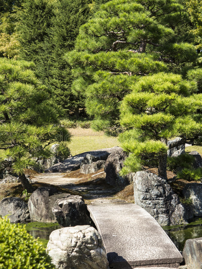 download stone bridge in japanese garden royalty free stock photo image 35100385