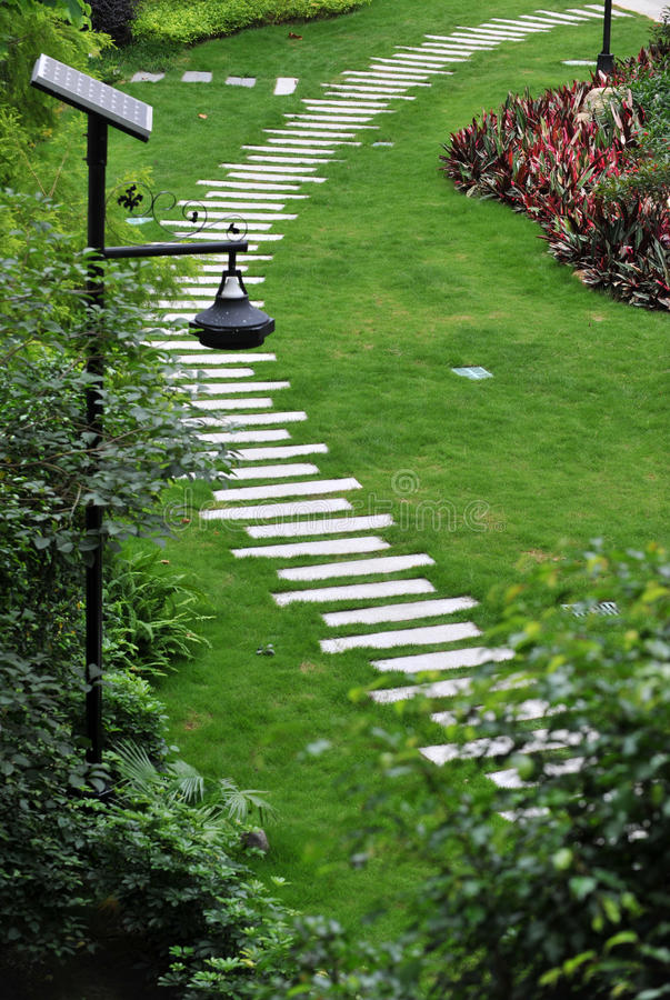Free Stone Path In Garden Royalty Free Stock Images - 14844379