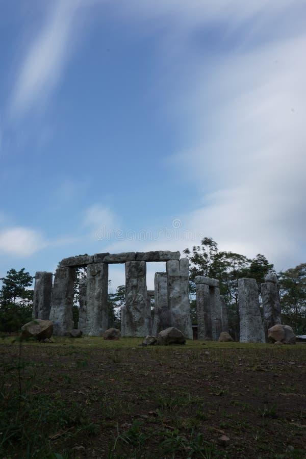 Stonehedge in merapivulkanen stock afbeeldingen