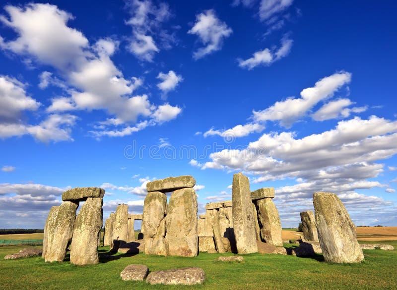 Stonehenge在萨利,威尔特郡,英国附近的一座古老史前石纪念碑。它任何地方从3000 BC被修造了到2000年BC。Sto 免版税库存图片