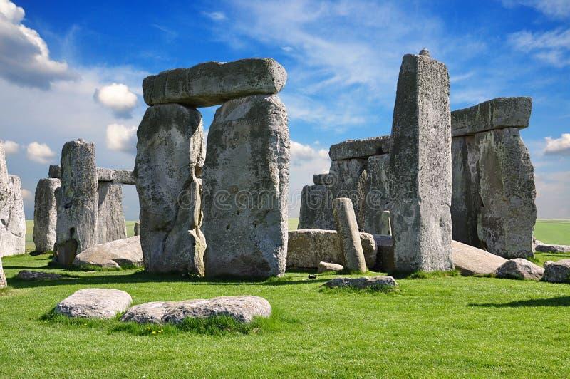 Stonehenge är en förhistorisk monument Wiltshire England royaltyfri bild