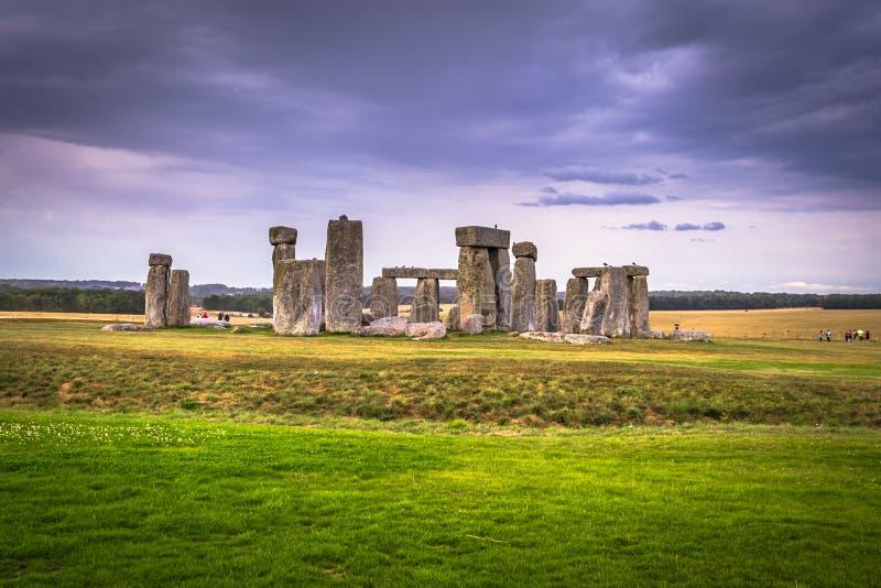 Stonehenge - Augusti 07, 2018: Fornminne av Stonehenge, England royaltyfri bild