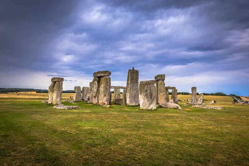 Stonehenge - Augusti 07, 2018: Fornminne av Stonehenge, England royaltyfri foto
