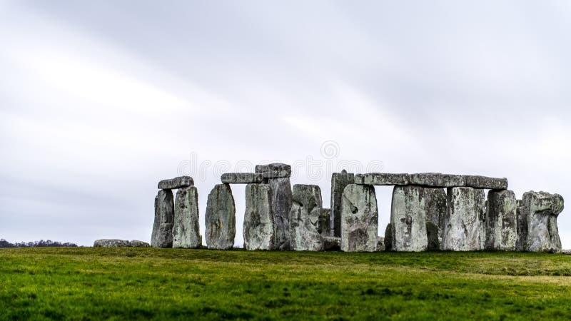 Stonehenge is een voorhistorisch monument in Engeland stock fotografie