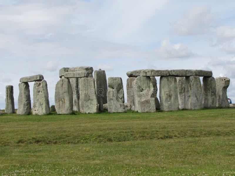 Stonehenge --en förhistorisk anseendestenmonument som lokaliseras i England arkivbild