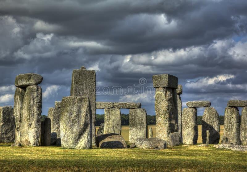 Stonehenge en recueillant la tempête photo stock