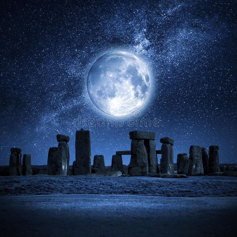 Free Stonehenge Full Moon Royalty Free Stock Photos - 55520088