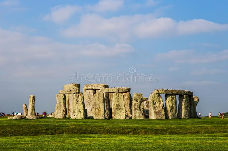 Download Stonehenge Monument At Salisbury Planes Editorial Stock Photo - Image of grandeur, countryside: 105329818