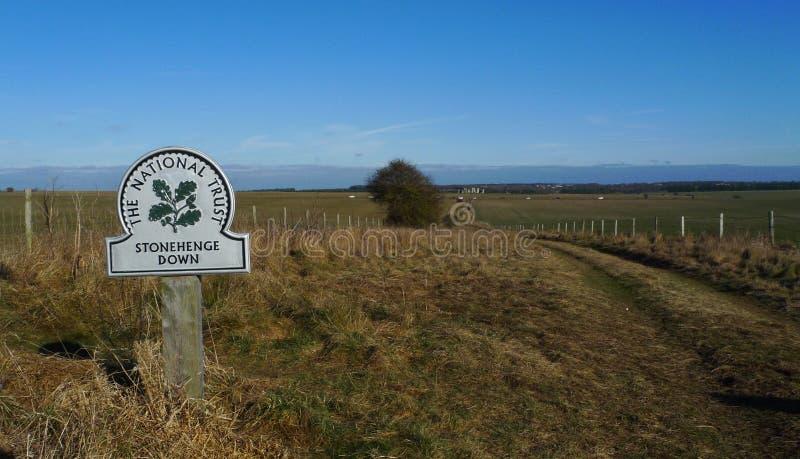 Stonehenge sinaliza para baixo fotos de stock royalty free