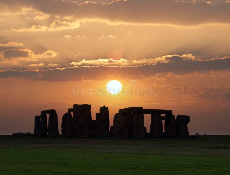 Stonehenge, um monumento pré-histórico em Inglaterra. Local do patrimônio mundial do UNESCO. fotografia de stock