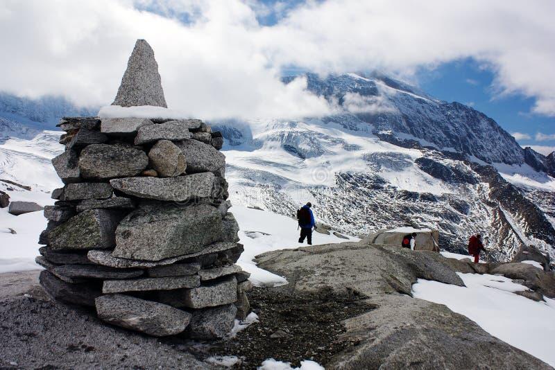 Stoneman och härliga is- berg fotografering för bildbyråer