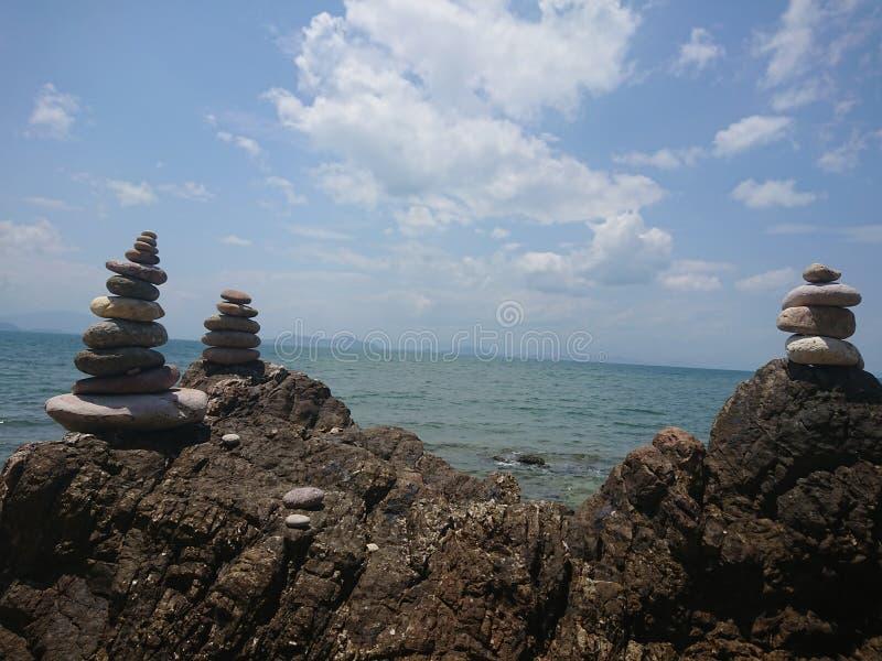 Stonetower en las rocas fotos de archivo