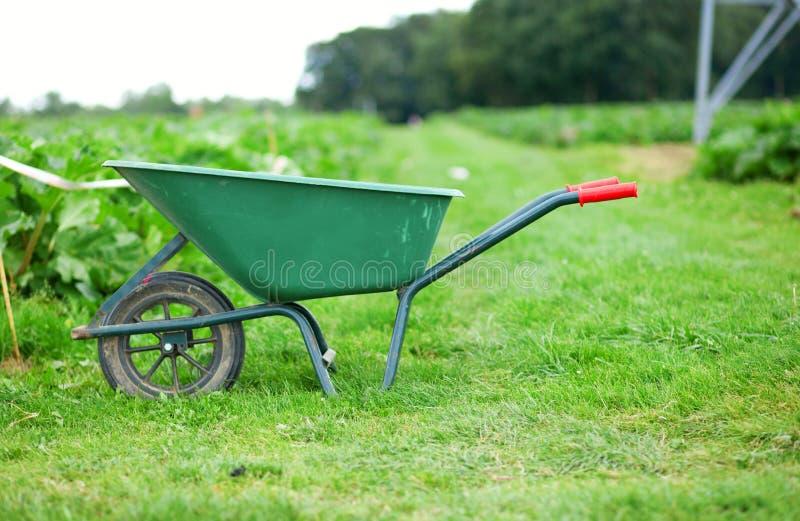 Stootkar op een landbouwbedrijf royalty-vrije stock fotografie