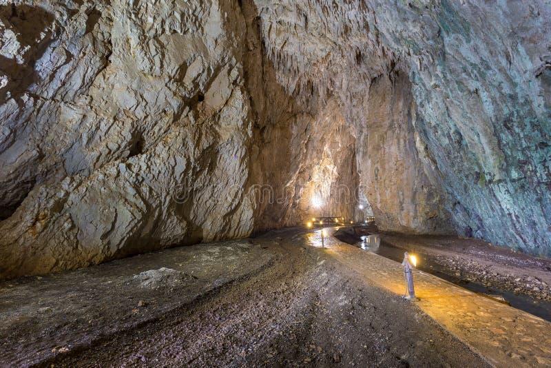 Stopica-Höhle auf den Steigungen des Bergs Zlatibor, Serbien lizenzfreie stockfotografie