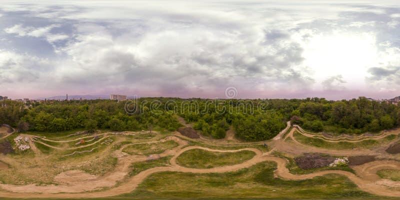 360 stopni panoramy odtwarzania i kultury park w Plovd zdjęcia stock