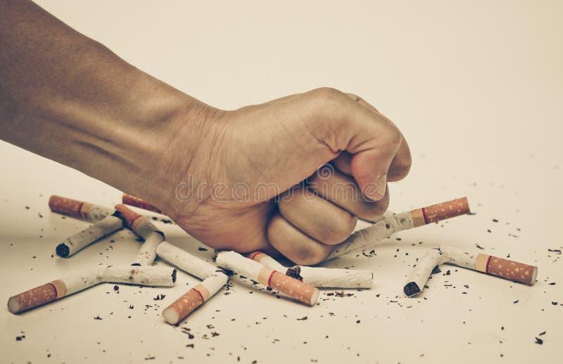 Stoppen Sie, Zigarette zu rauchen stockfoto