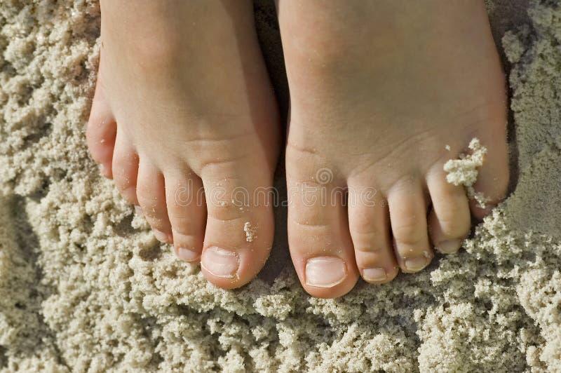 stopy plażowi zabawy dzieciaków sandy obrazy stock