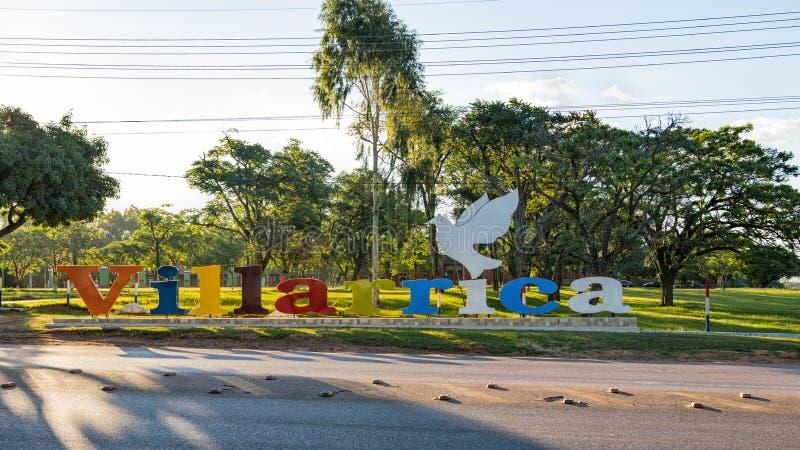 Stor 'Villarrica 'bokstäver Villarrica är en stad i mitten av Paraguay royaltyfria foton