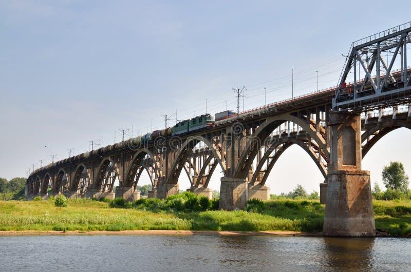 stor broflod russia volga royaltyfri bild
