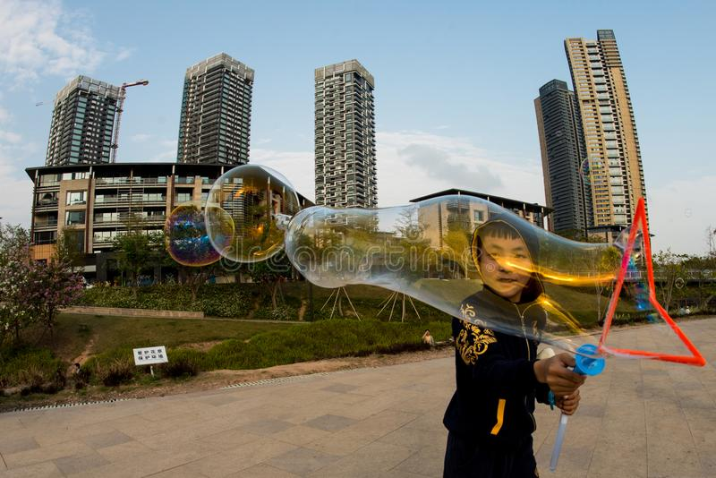 Stor bubbla i shenzhen? royaltyfria bilder
