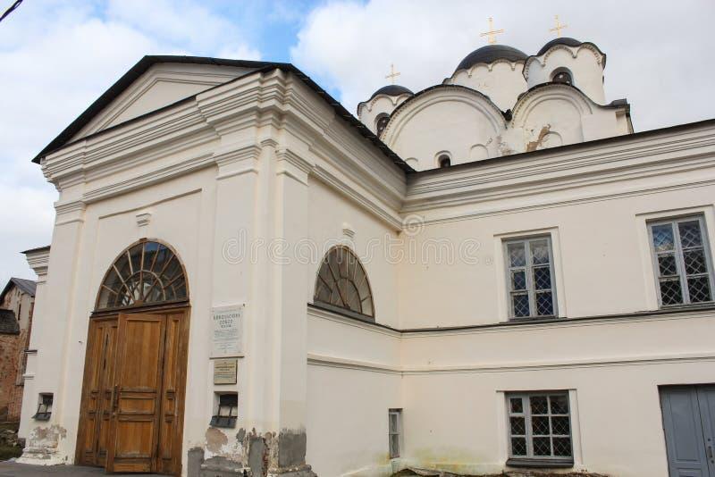 Stor dörr till domkyrkan av St Nicholas arkivbilder