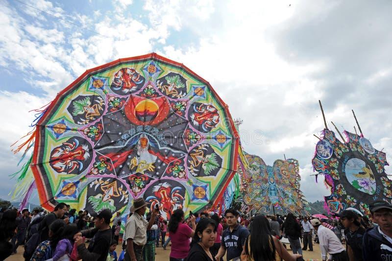 Stor drakefestival på dagen om dödaen, Sumpango, Sacatepequez, Guatemala royaltyfri bild