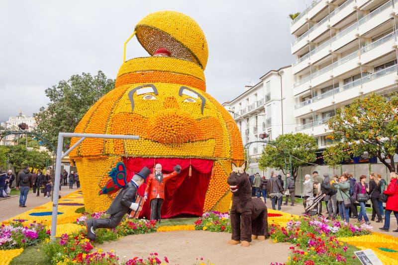 Stor fest du Sötcitron i Menton, Frankrike royaltyfria foton
