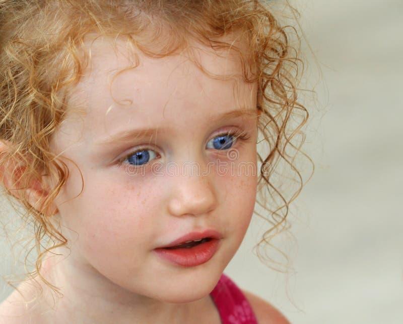 stor flicka för blåa ögon little arkivfoto