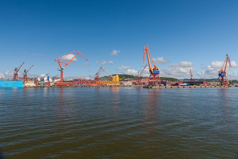 Stor industriell sändningshamn i Göteborg, royaltyfria bilder