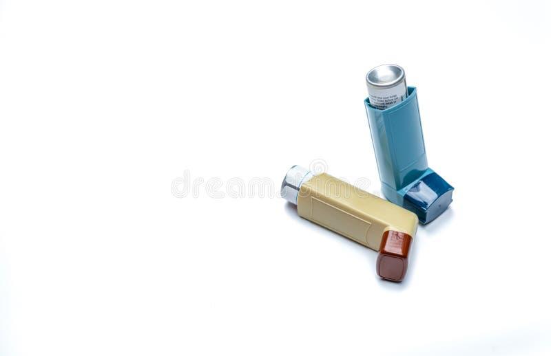 stor inhaler Astmakontrollant, relieverutrustning Steroider och bronchodilatoren förgiftar för astma och kronisk bronkit royaltyfria foton