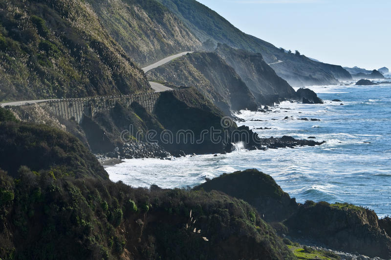 stor Kalifornien kust- huvudvägsur fotografering för bildbyråer