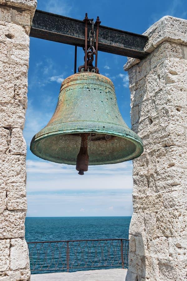 Stor klocka i Chersonesusen i Krim, nära Sevastopol royaltyfri foto