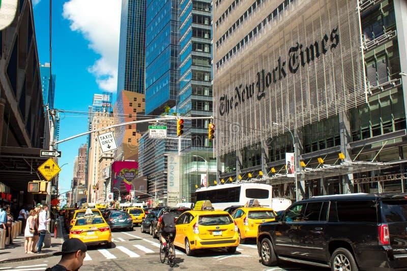 Stor New York trafik vid The New York Times byggnad 08/04/2018 arkivfoton
