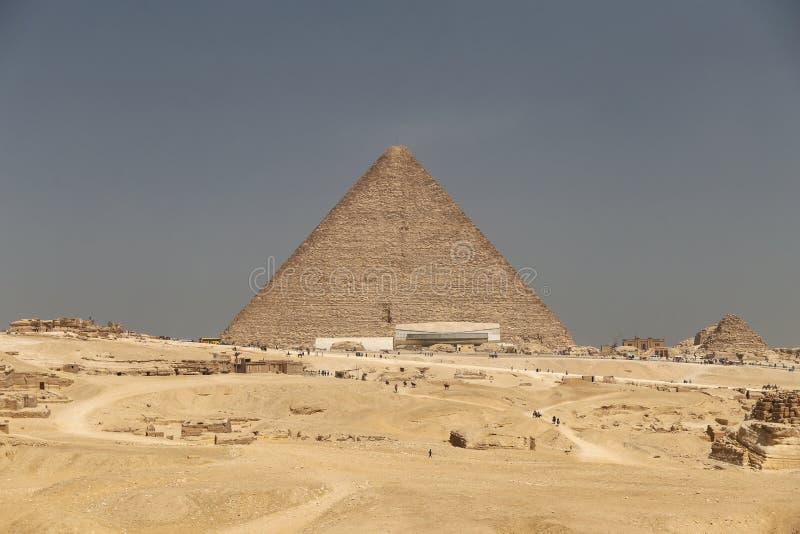 Stor pyramid av Giza i det Giza pyramidkomplexet, Kairo, Egypten arkivbilder