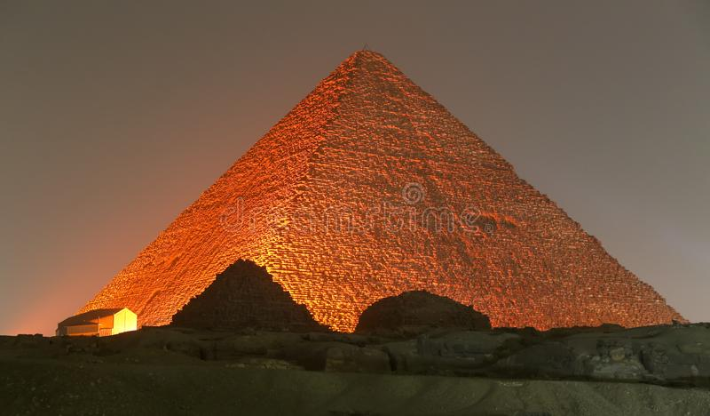 Stor pyramid av Giza i Kairo, Egypten royaltyfria bilder