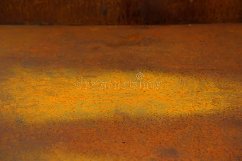 Stor rostfläck i en ask av rest arkivfoto
